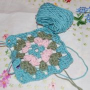 Make a granny square - beginners crochet