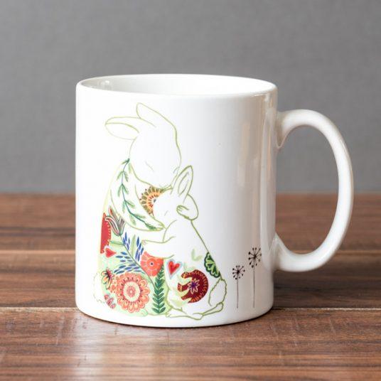 lo-Mummy-hugs-mug-front-536x536