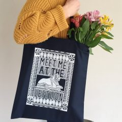 screen printed tote nottingham left lions tote